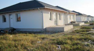 Új építésű családi házak fiatalos környéken!