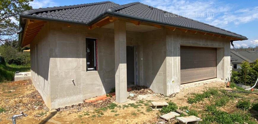 Érden, új építésű, nappali+4 szobás, garázsos, nagy teraszos ikerházi lakás!